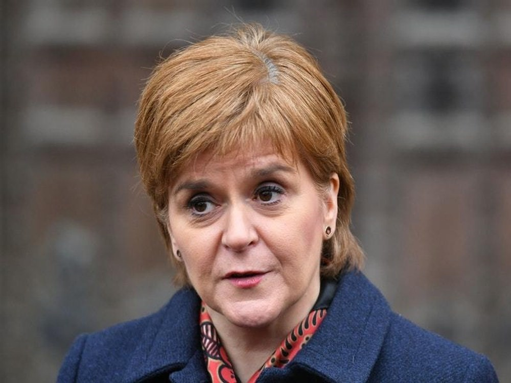 First Minister announces £100,000 for women leaders scheme